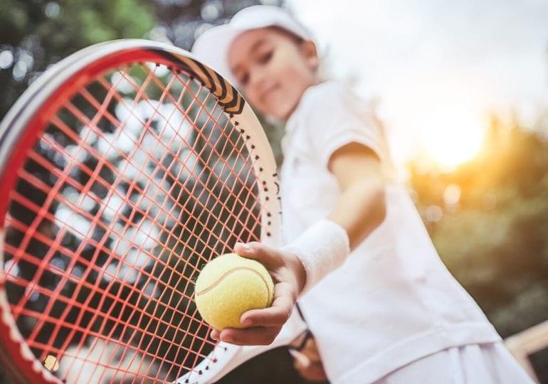 Tennis: Der richtige Sport für Kinder?